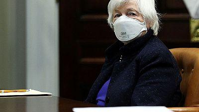 وزيرة الخزانة الأمريكية تهون من شأن التضخم ومخاوف رفع الفائدة