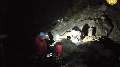 Complesso intervento di recupero in Val Maira, uomo non è grave