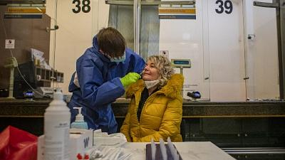 Vittime sono 20, dati ospedalieri in leggero aumento