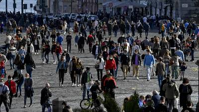 Più affollate vie shopping in quartiere Vomero.Lunedì zona rossa