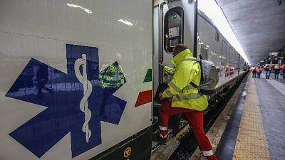 Fs, carrozze con attrezzature mediche, per gestione emergenze