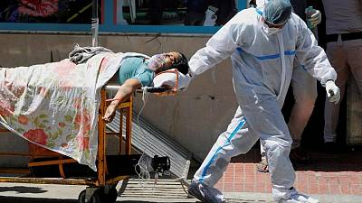 الهند تسجل 46% من إصابات كورونا العالمية وربع الوفيات الأسبوع الماضي