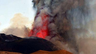 Nube eruttiva altissima, osservata anche da altre province isola