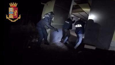 Polizia sorprende in casolare persone originarie del Foggiano
