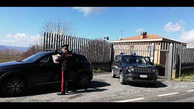 L'uomo ha citofonato alla stazione carabinieri di Montegabbione