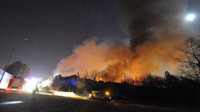 Incendio alla Continassa durante manifestazione cittadini