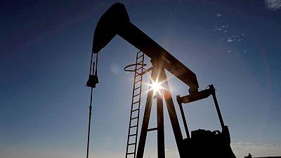 أسعار النفط ترتفع لكن إصابات فيروس كورونا في الهند تحد من المكاسب