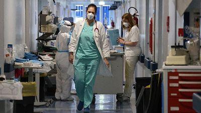 Migliora la situazione clinica, +3 nei reparti e -4 in intensiva