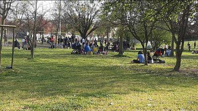 In città anche due manifestazioni contro norme anti pandemia