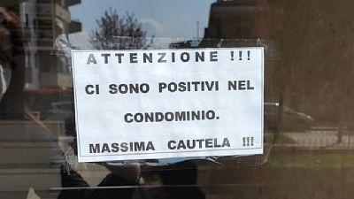 """""""Massima cautela"""", in ingresso casa a Rozzano. Polemiche su fb"""