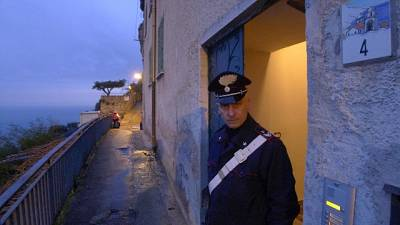 A Praiano, del valore di milioni euro. Sigilli dei carabinieri