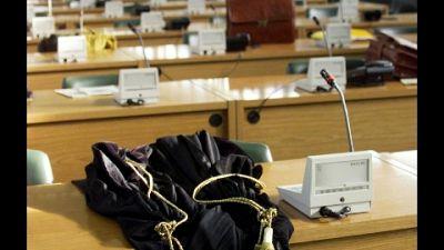 Imputato insieme ad altri 7 per presunti depistaggi