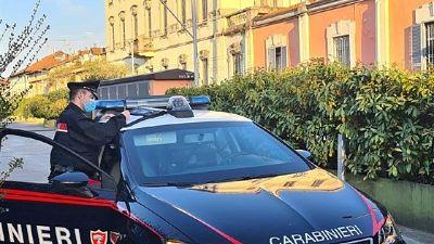 Carabinieri chiudono anche un bar per ammassamenti