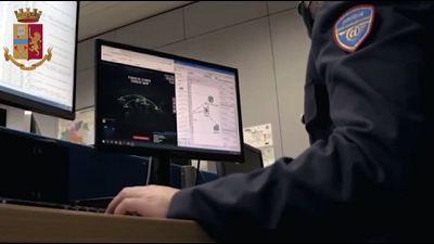 Arrestato manager milanese.Indagine pm Roma,pagamenti in Bitcoin