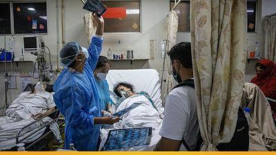 الهند تشهد زيادة قياسية في عدد الإصابات والوفيات اليومية بكورونا