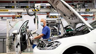 German industrial orders surge on strong domestic demand