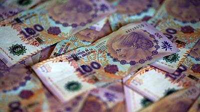 Argentina subasta letras por equivalente a 607,4 million $: Ministerio de Economía