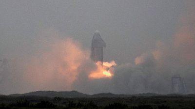 بعد أربع محاولات فاشلة.. صاروخ ستارشيب التابع لسبيس إكس ينجح في الهبوط بسلام
