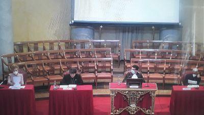 Franco Locatelli, laureato a Pavia, legge l'atto costitutivo