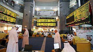 تباين بورصات الخليج تأثرا بمخاوف التعافي العالمي