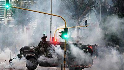 Violencia persiste en algunas protestas de Colombia, pero la capital está más tranquila