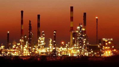 أسعار النفط ترتفع مع استمرار المخاوف من نقص في الوقود