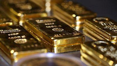 الذهب يتسلق ذروة ثلاثة أشهر ونصف مع تراجع الأسهم وعوائد السندات الأمريكية