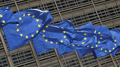 Let customers choose where to clear euro derivatives, banks tell EU