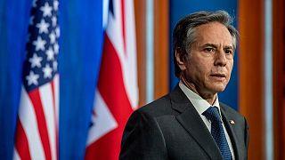 وزير الخارجية الأمريكي يبحث الوضع في أفغانستان مع نظيره الباكستاني