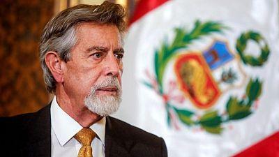 Brecha entre Castillo y Fujimori se reduce y anticipa una elección ajustada en Perú