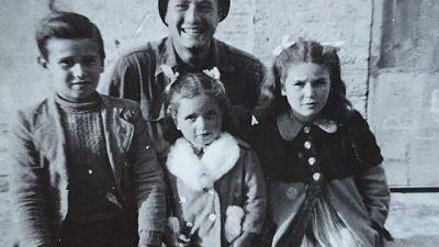 Storia del 97enne americano che ritrova 'bimbi' grazie al social
