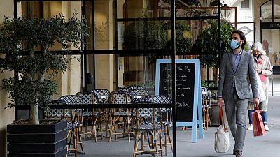Francia reabrirá los bares y restaurantes al aire libre el 19 de mayo
