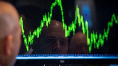 MERCADOS GLOBALES: La perspectiva de dinero barato impulsa las bolsas y el crudo se dispara tras un ciberataque