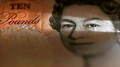 الاسترليني يقفز حوالي 1% بعد هبوطه ليل الأحد عن 1.38 دولار