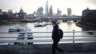 بريطانيا تسجل 32551 إصابة جديدة بكورونا و35 وفاة