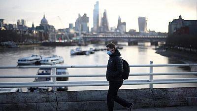 بريطانيا تسجل 2357 إصابة جديدة بكوفيد-19 وأربع وفيات