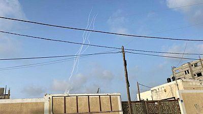 انطلاق صفارات الإنذار في القدس وسماع دوي عدة انفجارات