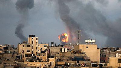 مقتل العشرات مع تصاعد القصف بين إسرائيل وحماس