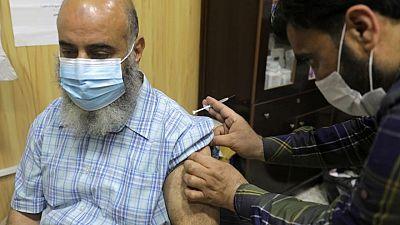 التردد يعرقل حملة التطعيم في إدلب السورية
