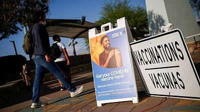 ¿Tiene visa? Latinoamericanos viajan a EEUU para vacunarse contra el COVID-19