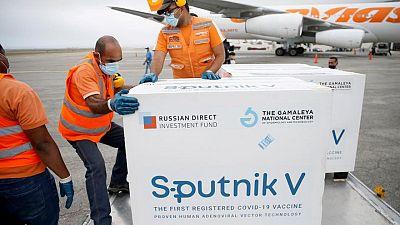 """Maduro dice que Venezuela recibirá """"pronto"""" la vacuna Sputnik Light contra COVID-19"""