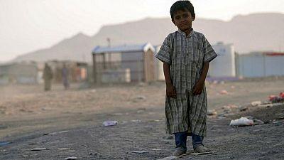 الفارون من الحرب في اليمن يتعلقون بقشة المساعي الأمريكية