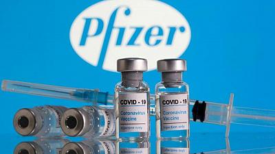 Vacuna COVID-19 de Pfizer funciona en adolescentes: panel de los CDC de EEUU