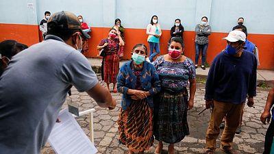 Corte de Guatemala respalda controvertida ley que permite disolver ONGs, anula amparos