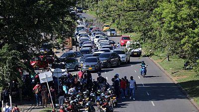 Presionados por bloqueos y altos precios, habitantes de ciudad colombiana de Cali piden negociación