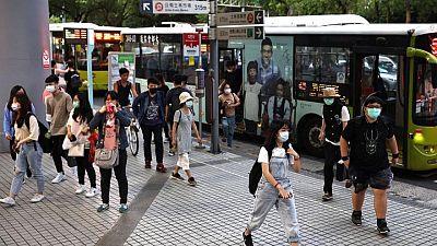 تايوان تشدد القيود بعد زيادة في الإصابات المحلية بكوفيد-19