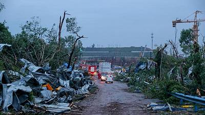 مقتل 12 وإصابة المئات بسبب إعصارين في الصين