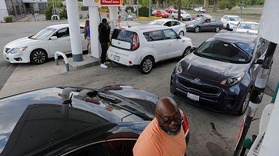 Reabastecimiento masivo comienza a aliviar escasez de combustible en EEUU tras ciberataque