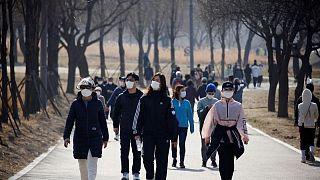 كوريا الجنوبية تشدد قيود كورونا مع تسجيل مستويات قياسية جديدة للإصابات