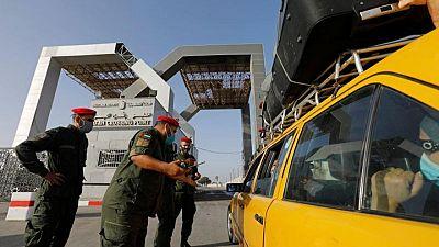 مصدران: مصر تفتح معبر رفح مع قطاع غزة قبل الموعد بيوم
